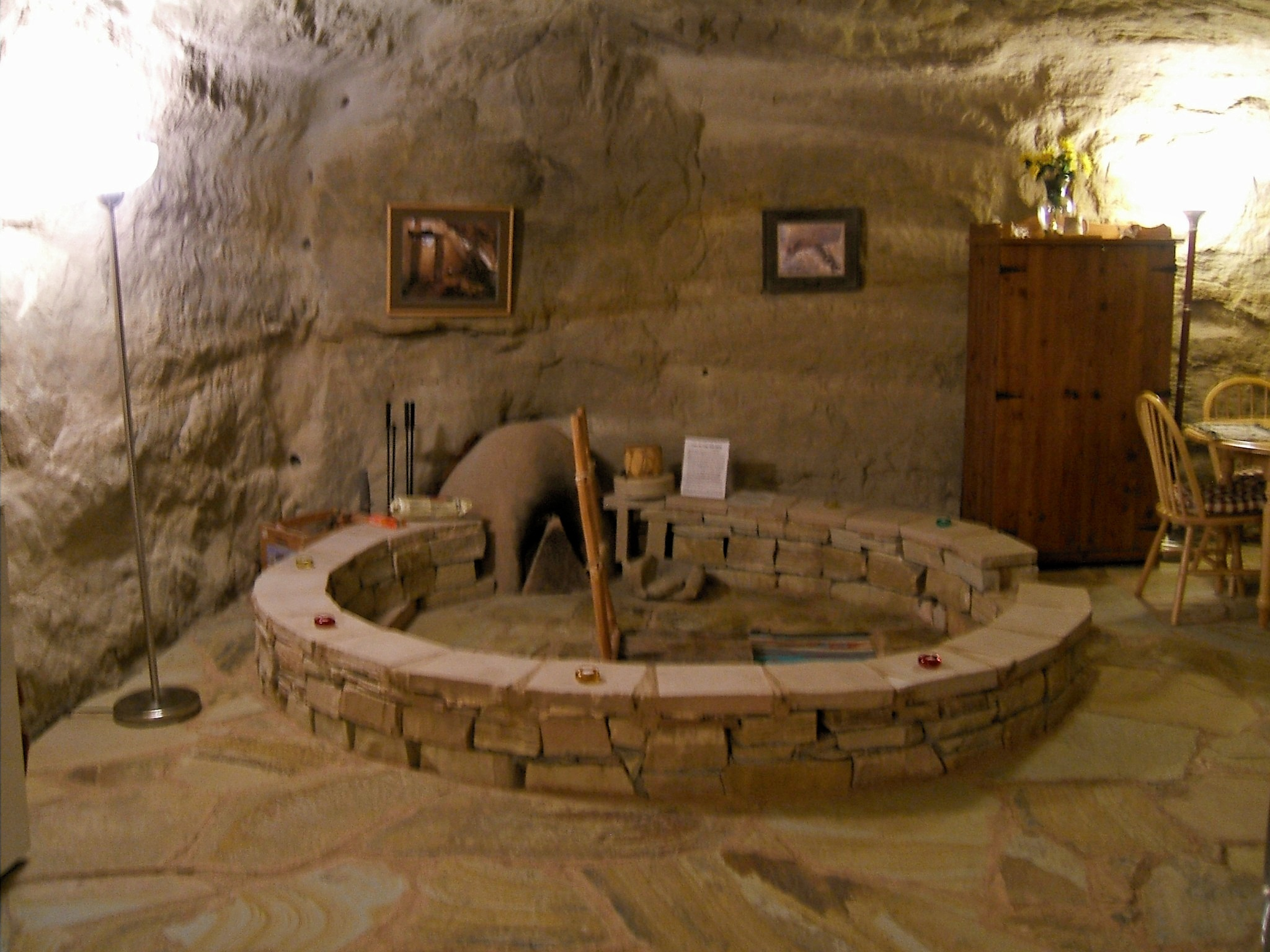 New Mexico S Modern Cliff Dwelling Kokopelli S Cave Bed And Breakfast Sunny Sky Blue